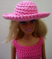 Handmade crocheted clothes for fashion dolls Barbie and Blythe, crocheted flower appliques: Crochet hat for Barbie doll - tutorial pattern for beginners