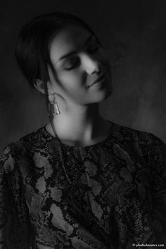 Portrait Shooting with Nada. Portrait, Location, Amazing Women, Fashion, Fiction, Wedding, Moda, Headshot Photography, Fashion Styles