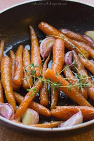 rozkosze stolu: karmelizowane młode marchewki