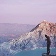Ijen mountain, Banyuwangi, East Java ,Indonesia Pict via @kerengan