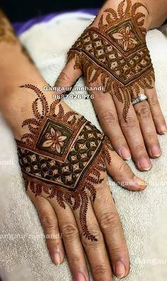 Henna Hand Designs, Black Mehndi Designs, Pakistani Henna Designs, Mehndi Designs Finger, Floral Henna Designs, Stylish Mehndi Designs, Mehndi Designs For Girls, Mehndi Design Photos, Mehndi Designs For Fingers