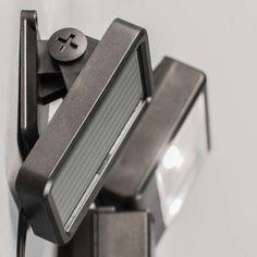 Außenleuchte Dark Strahler LED mit solar Bewegungsmelder. #Außenleuchte #Solarleuchte #Wandleuchte #Bewegungsmelder