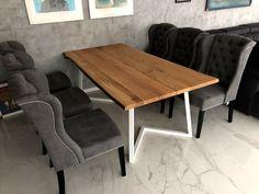 Masivní dubové dřevo v kombinaci s ocelovými nohami. Deska stolu vyrobena ze 2 ks fošen s rustikální hranou. #home #design #table #wood #massiv #drevo #furniture #domov Dining Bench, Conference Room, Table, Furniture, Design, Home Decor, Dining Room Bench, Table Bench, Meeting Rooms