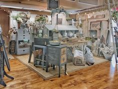 Normally, I do not like things that match, but the gray blues, beige tones and off whites shown here look so great together. Antique Booth Displays, Vintage Store Displays, Antique Booth Ideas, Vintage Display, Flea Market Displays, Flea Market Booth, Shop Displays, Retail Displays, Flea Markets