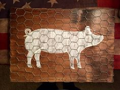 Pig painted on dark stained wood plaque with chicken wire overlay. I used cut at Lowe's to 16 Pig Crafts, Wood Crafts, Chicken Wire Crafts, Diy Art, Stencil, White Paint Pen, Farmhouse Kitchen Decor, Vintage Farmhouse, Modern Farmhouse