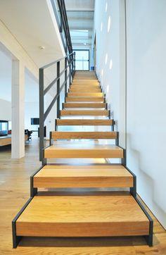 Stahltreppe 25-01-k