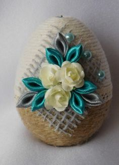 Egg Crafts, Tree Crafts, Diy And Crafts, Easter Projects, Projects To Try, Easy Crafts For Teens, Egg Art, Silk Ribbon Embroidery, Egg Decorating