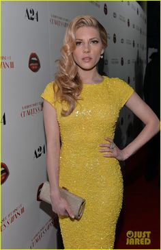 Katheryn Winnick wore an alice + olivia dress, Jimmy Choo shoes and clutch, and Le Vian jewelry.