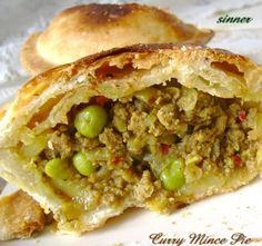 Curry Mince Pie – My Tartessales Mini Pie Recipes, Pastry Recipes, Cooking Recipes, Curry Pie Recipe, Curry Recipes, Savory Pastry, Savoury Pies, Beef Pies, Beef Mince Recipes