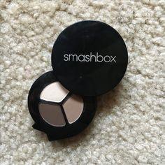 Smashbox Photo Op Shadow Trio: vanilla, sable, sumatra  Swatched.