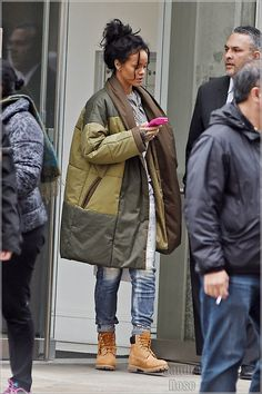 Celebs Out & About: Rihanna, Toni Braxton, Teairra Mari Fall Outfits, Casual Outfits, Cute Outfits, Fashion Outfits, Looks Style, Style Me, Estilo Rihanna, Looks Rihanna, Rihanna Street Style