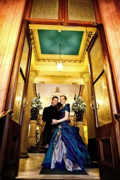 A Scotland wedding with an electric blue gown and a sword fight | Offbeat Bride