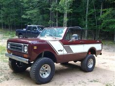 Google Image Result for http://image.4wheeloffroad.com/f/bosborne/27711652%2Bw450%2Bh338%2Bcr0%2Bre1%2Bar1/1978-international-scout-ii-1.jpg