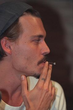 The man who has had my heart for nine years, Johnny Depp. Johnny Depp Smoking, Young Johnny Depp, Johnny Cash, Anthony Hopkins, Dirty Dancing, Caroline Dhavernas, Junger Johnny Depp, Jean Reno, Z Cam
