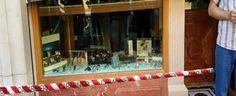 BATTIPAGLIA: Colpo grosso in gioielleria, i banditi sfondano le vetrine e razziano preziosi per 100mila euro