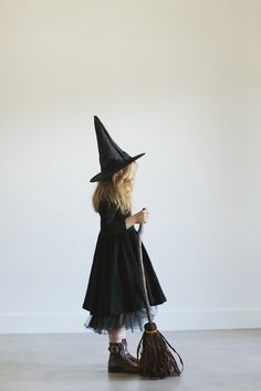 Alice and Ames Halloween / Witch - Alice + Ames
