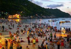 Full Moon Party on beach, Koh Phangan, Thailand (© Chris McLennan/Alamy)
