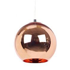 Copper shade pendel från Tom Dixon är en vacker och elegant lampa gjord i koppar med stor...