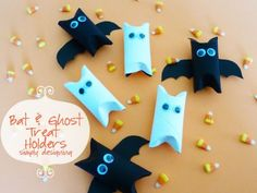 Bat and Ghost Treat Holders | simple Halloween kids craft | #halloween #bats #ghosts #craft #diy #kidscraft #valueseekersclub by nadia