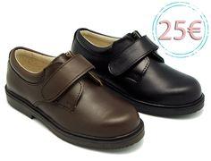 Tienda online de calzado infantil Okaaspain. Zapato blucher colegial de piel con velcro. Calidad al mejor precio hecho en España.