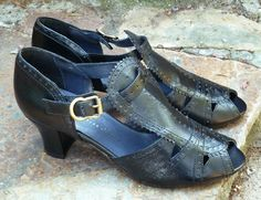 Remix Vintage Shoes, Emily 20s/30s-Style T-Straps in Black