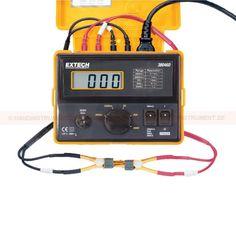 http://termometer.dk/elektrisk-testvarktoj-r12676/milliohmmatare-53-380460-r12701  Milliohmmätare  Høj nøjagtighed og ydeevne for målinger af lav modstand  Stort 18mm LCD-display med 1999 points  4 -wire kabler med Kelvin kontakt clips  Manuel justering til nul display  grænseregion indikation  Kompakt, robust som ly MPAR godt for field service Garanti: 2 År Leveringstid: 4-5 Uger