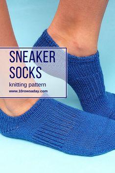 Nov 2019 - Low cut ankle socks that don't slip off the feet. Knitted Socks Free Pattern, Knitting Socks, Free Knitting, Knit Socks, Finger Knitting, Knitted Slippers, Knitting Machine, Vintage Knitting, Crochet Patterns For Beginners