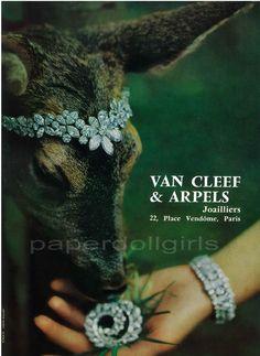 L'Officiel de La Couture et de la Mode de Paris 1965 Magazine Advertisement VAN CLEEF & ARPELS Diamond Jewelry Paris