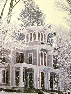 prettie-sweet:    nature-and-culture:    nature-and-culture:  I love this house but I never guessed this picture will be so popular when I posted it less than one week ago…It's a1860's villa in Northwestern Connecticut.    It is so lovely. I would like to see photos of it in all seasons.