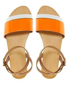 need these leather sandals in my life!