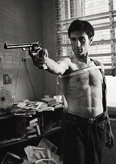 """""""Taxi Driver"""" by Martin Scorsese, with Robert De Niro. - """"Taxi Driver"""" by Martin Scorsese, with Robert De Niro. Martin Scorsese, Taxi Driver, Great Films, Good Movies, Fotografia Pb, New York Movie, The Blues Brothers, Fritz Lang, Al Pacino"""