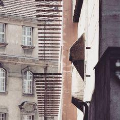 Office building with amazing pattern. Poznan  #podrys #instaphoto #inspiration #city #life #street #love #cute #beautiful #travel #happy #day #landscape #light #wall #building #urban #art #architecture #archilovers #details #design #pattern #geometry #modernism #modernizm #minimal #sun #poznan