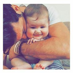 Perfect personnal room decor for you baby. Cute Baby Boy Images, Cute Baby Videos, Cute Baby Pictures, Baby Photos, Cute Little Baby, Cute Baby Girl, Little Babies, Baby Love, Father And Baby