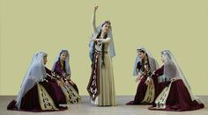 Узундара:- что может быть прекраснее танца невесты? Старинный танец, пройдя сквозь века, остается неизменным свадебным атрибутом и как ничто иное подчеркивает красоту, нежность и скромность армянской невесты. Узундара (Ուզունդարա) — один из любимых армянами традиционных женских танцев, танец невесты. Его можно исполнять как сольно, так и группой. Грациозные, плавные движения этого танца подчеркивают женственность и красоту девушек, плывущих будто лебеди по глади пруда. Много веков назад…