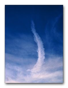 Oldrobel's Fotoreise: Clouds or contrail?