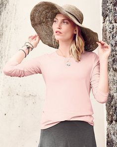 A top option for transitional seasons, our newest iteration of the long-sleeve tee is perfect for layering or wearing solo. A scoop neck prettifies the silhouette.