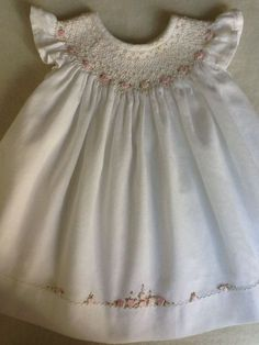 Hand made by Marianela Collado-like the line of embroidery along the hem to repeat the smocking. Smocking Baby, Smocking Plates, Smocking Patterns, Dress Patterns, Sewing Patterns, Coat Patterns, Smocked Baby Dresses, Little Dresses, Little Girl Dresses