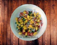 Ensalada de mango con pipas de calabaza
