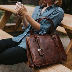 368acaf6da41e Dámska kožená taška Business Tote Work Laptop taška Salerno hnedá Cargar De  Trabajo