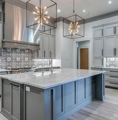 Awesome Kitchen Island Lighting Ideas Star Square Large Pendants Best Modern Kitchen Lighting Ideas and Tips Home Decor Kitchen, Kitchen And Bath, New Kitchen, Awesome Kitchen, Kitchen Grey, Kitchen Lamps, Kitchen Sinks, Design Kitchen, Kitchen Cabinets