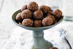 Stave off afternoon hunger pangs without widening your waist.Click through for 25 of our favourite healthy sweet and savoury recipes you can snack on between meals. Lunch Box Recipes, Dog Food Recipes, Snack Recipes, Dessert Recipes, Savoury Recipes, Free Recipes, Raw Chocolate, Healthy Chocolate, Chocolate Truffles