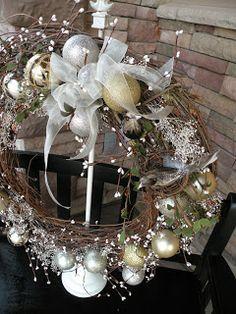 Seasons Of Joy: Seasons Greetings Wreath