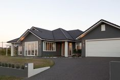 Our Karapiro Ready to Build house plan offers great flexibility for new home builders.This architecturally-inspired design will stand the test of time. House Paint Exterior, Exterior House Colors, Building Design, Building A House, Add A Room, Hamptons House, New Home Builders, Gas Stove, Build Your Dream Home