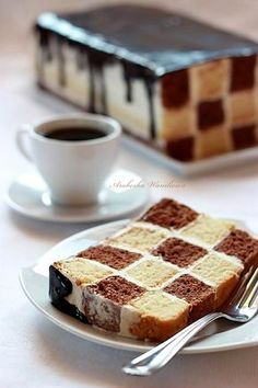 Sweet Desserts, Sweet Recipes, Mini Cakes, Cupcake Cakes, Bolo Original, British Baking Show Recipes, Checkerboard Cake, Cookie Recipes, Dessert Recipes