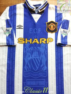 a99a0fabe39 7 Best Manchester United retro shirts images