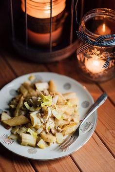 Ihr seid auf der Suche nach einem festlichen Salat für Silvester? Wie wäre es dann mit diesem fruchtig frischen Schwarzwurzel Salat?