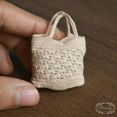 Crochet Patterns Bag Miniature crochet bag for dollhouse in scale Crochet Barbie Clothes, Crochet Dolls, Crochet Bags, Easy Crochet, Free Crochet, Accessoires Barbie, Barbie Accessories, House Accessories, Crochet Projects