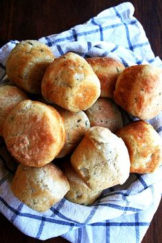 No-Knead Thyme Dinner Rolls // Baked in muffin tins, this super-easy, no-knead dough recipe is a snap to throw together and might just be the showstopper on your dinner party table. // @alexandracooks