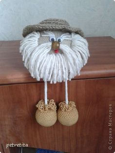 Jute Crafts, Diy Crafts For Gifts, Diy Home Crafts, Diy Arts And Crafts, Yarn Dolls, Knitted Dolls, Crochet Dolls Free Patterns, Crochet Toys, Beaded Christmas Ornaments
