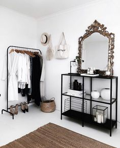 Brilliant Solution Small Apartment Living Room Decor Ideas And Remodel ~ Home Design Ideas Living Room Decor, Bedroom Decor, Decor Room, Bedroom Black, Minimalist Bedroom, New Room, Home Fashion, Fashion Bedroom, Lifestyle Fashion